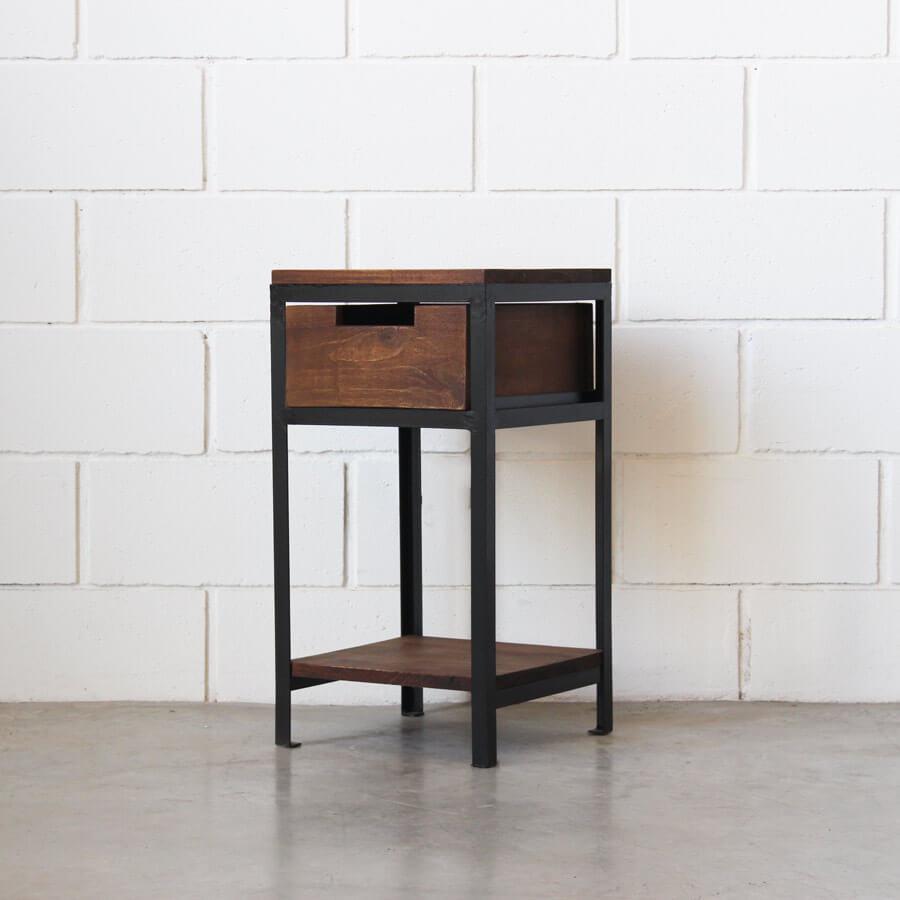 Mesa de luz hierro y madera estacion ortiz for Mesas de hierro y madera
